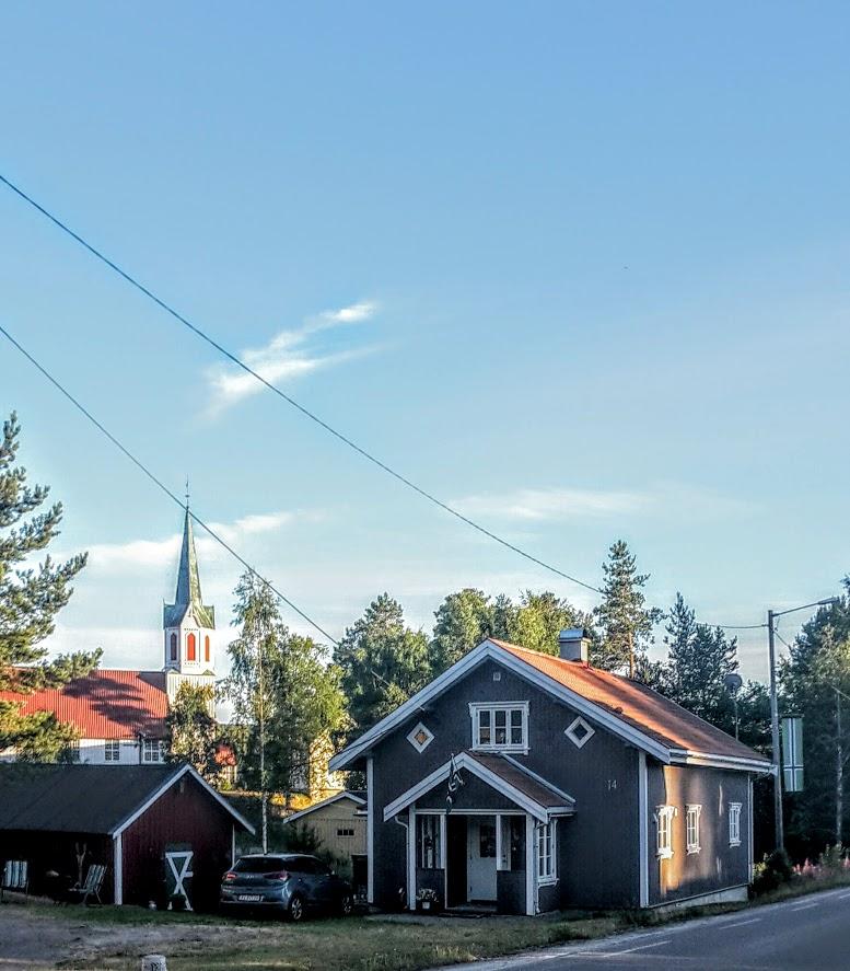 kirken og flagg